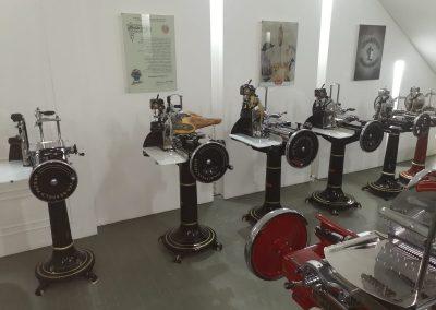 YU-400x284 Show Room Aufschnittmaschinen und Waageni Berkel