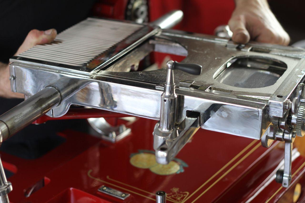 restauro11 Lavoro nei dettagli  Affettatrici Berkel