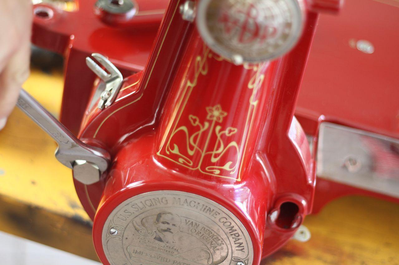 restauro21 Lavoro nei dettagli  Affettatrici Berkel