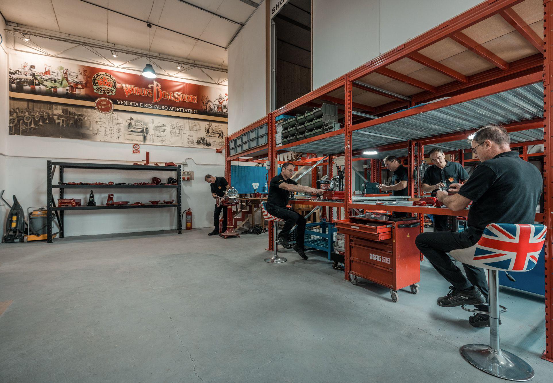 ER5_8303-1 Our restoration laboratory