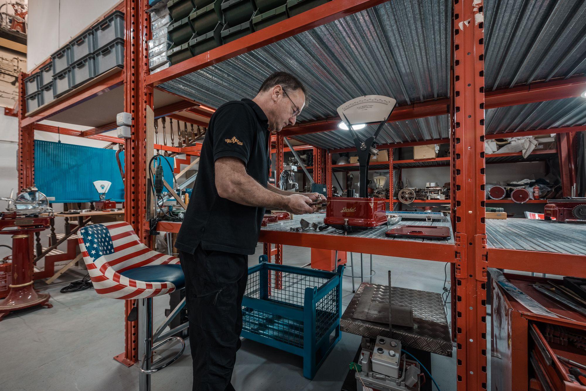 ER5_8266 Our restoration laboratory
